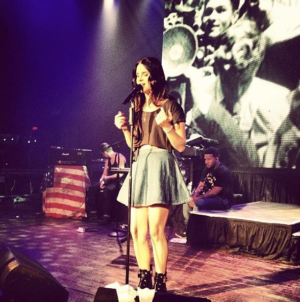 Lana-Del-Rey-2013-Lollapalooza-Perfomance-