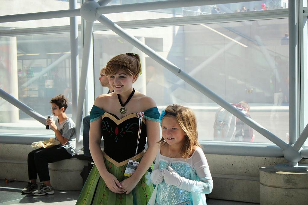New York Comic Con Frozen Elsa Cosplay