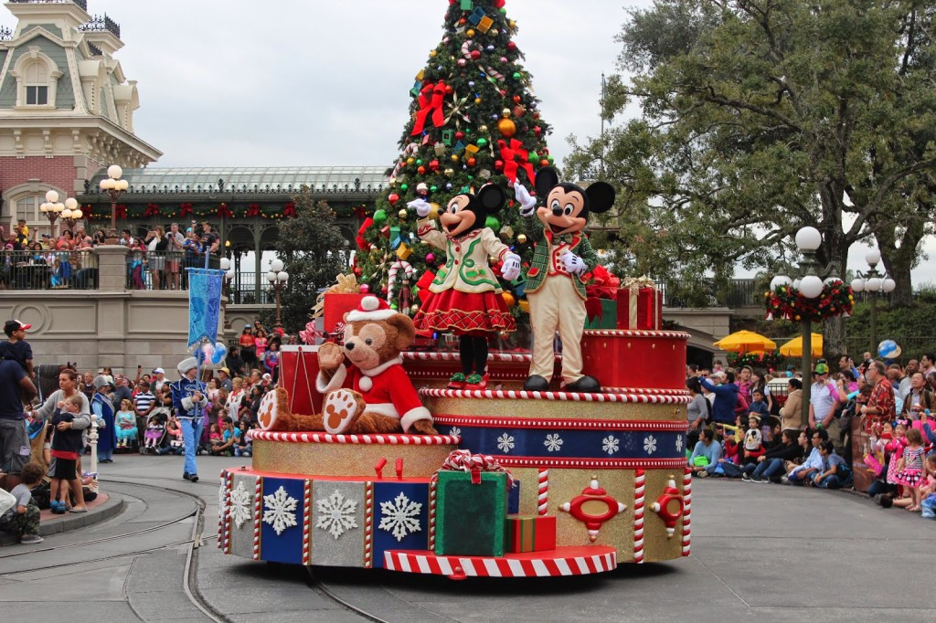 Disney-World-Magic-Kingdom-Christmas_Mickeys-Very-Merry-Christmas-1024x682