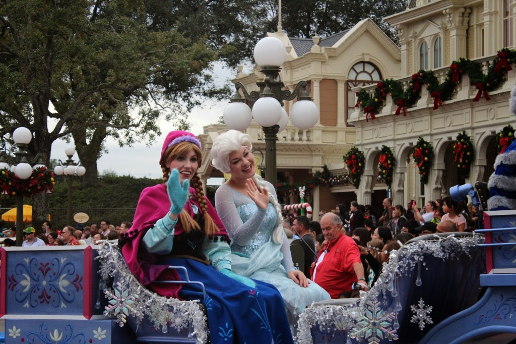 Disney-World-Magic-Kingdom-Elsa-and-Anna-1024x682