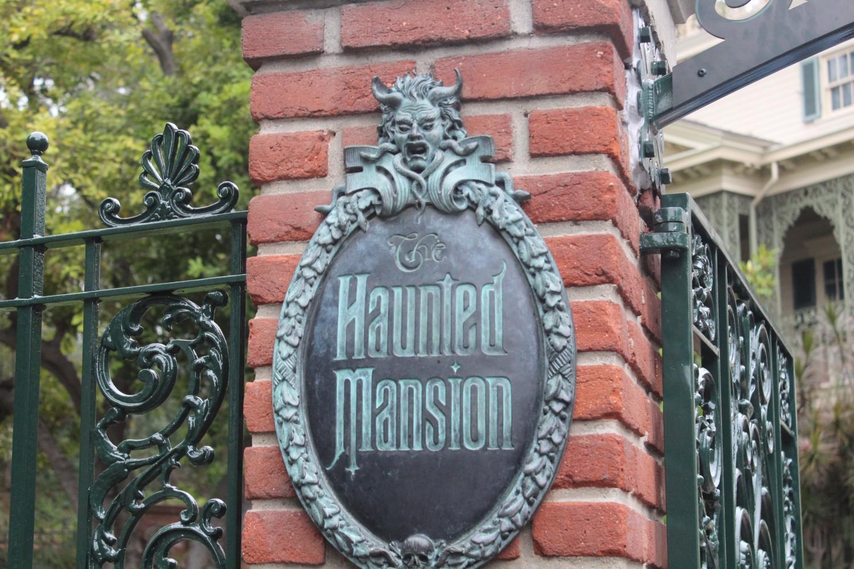 Disneyland Haunted Mansion
