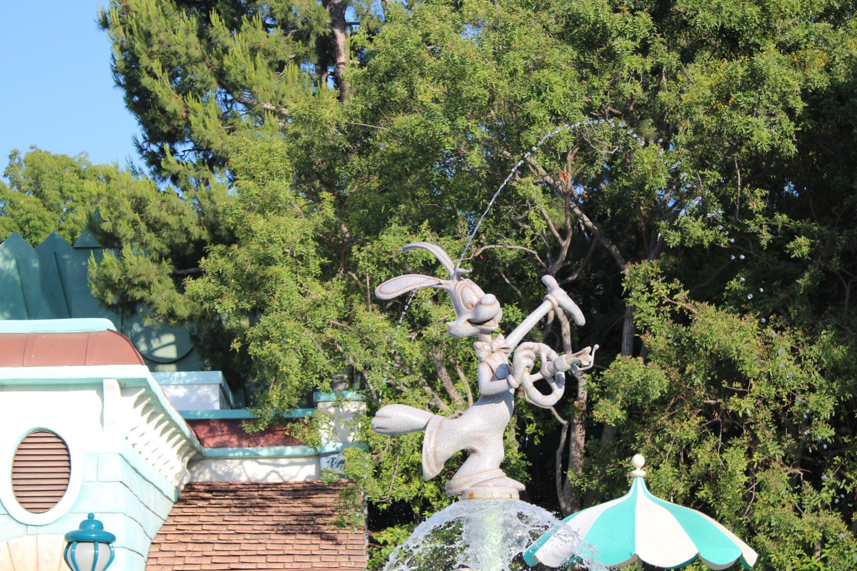 Disneyland Roger Rabbit Fountain