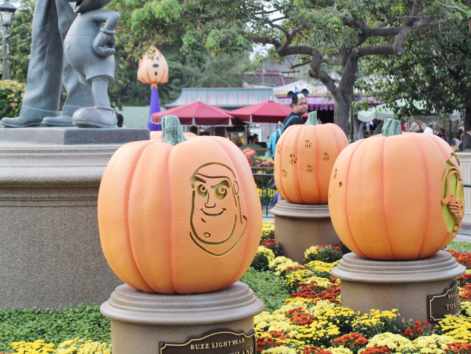 Disneyland Buzz Lightyear Pumpkin