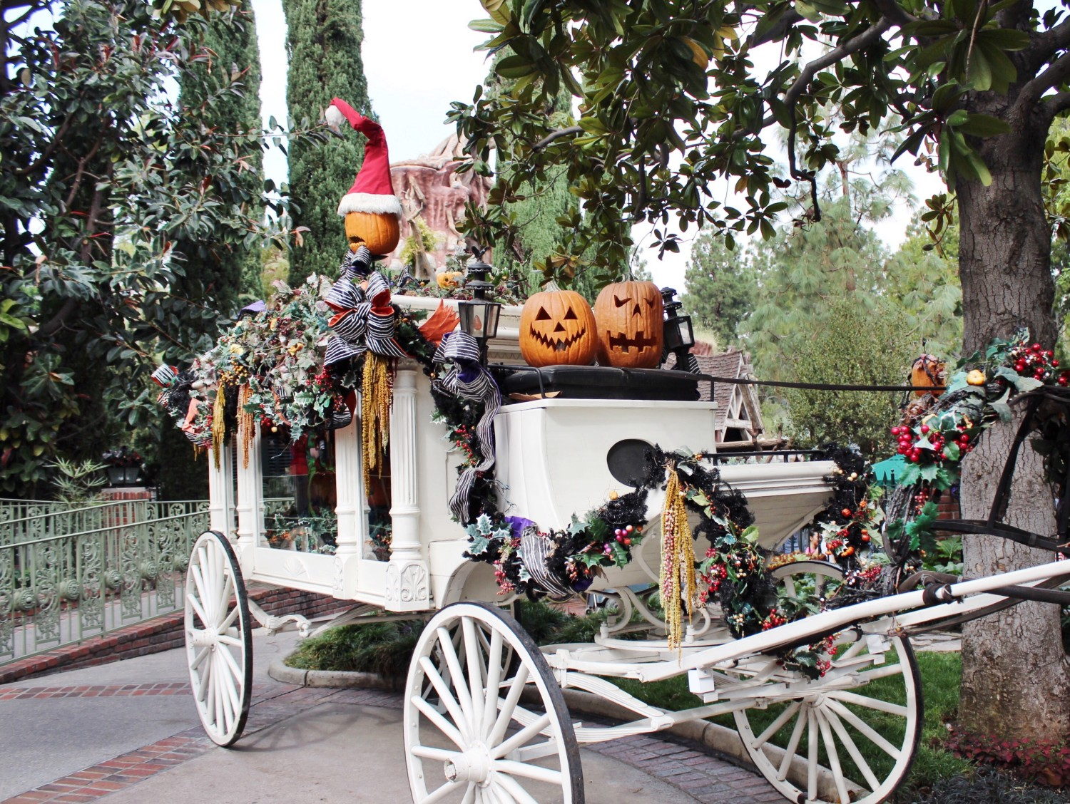 Disneyland Haunted Mansion Holiday carriage