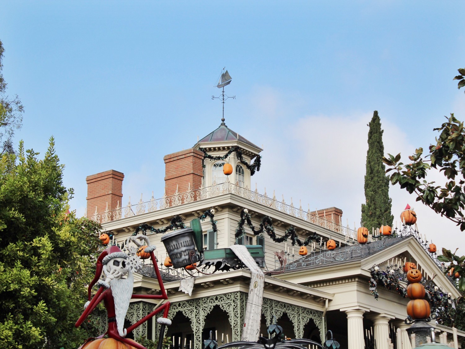 Disneyland Haunted Mansion Holiday