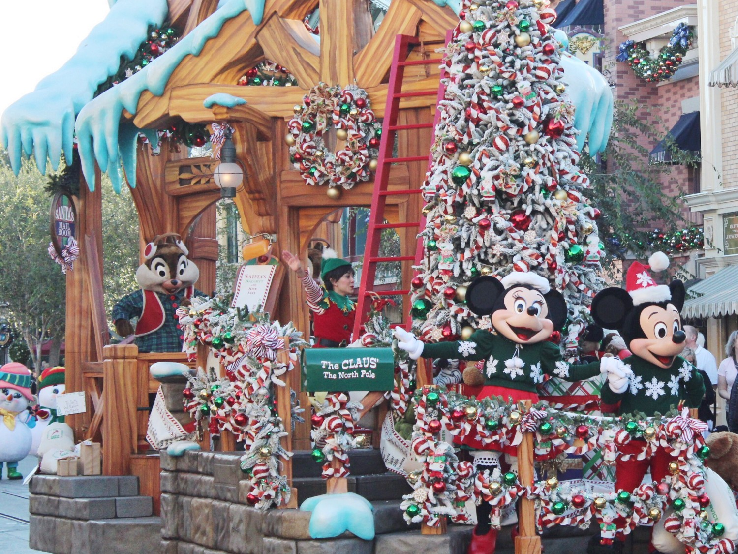 Disneyland A Christmas Fantasy Parade