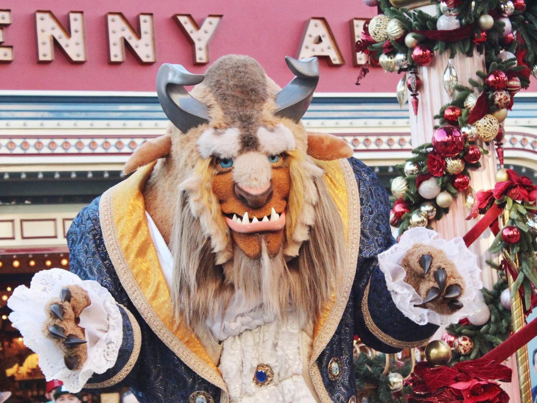 Disneyland A Christmas Fantasy Parade Beast