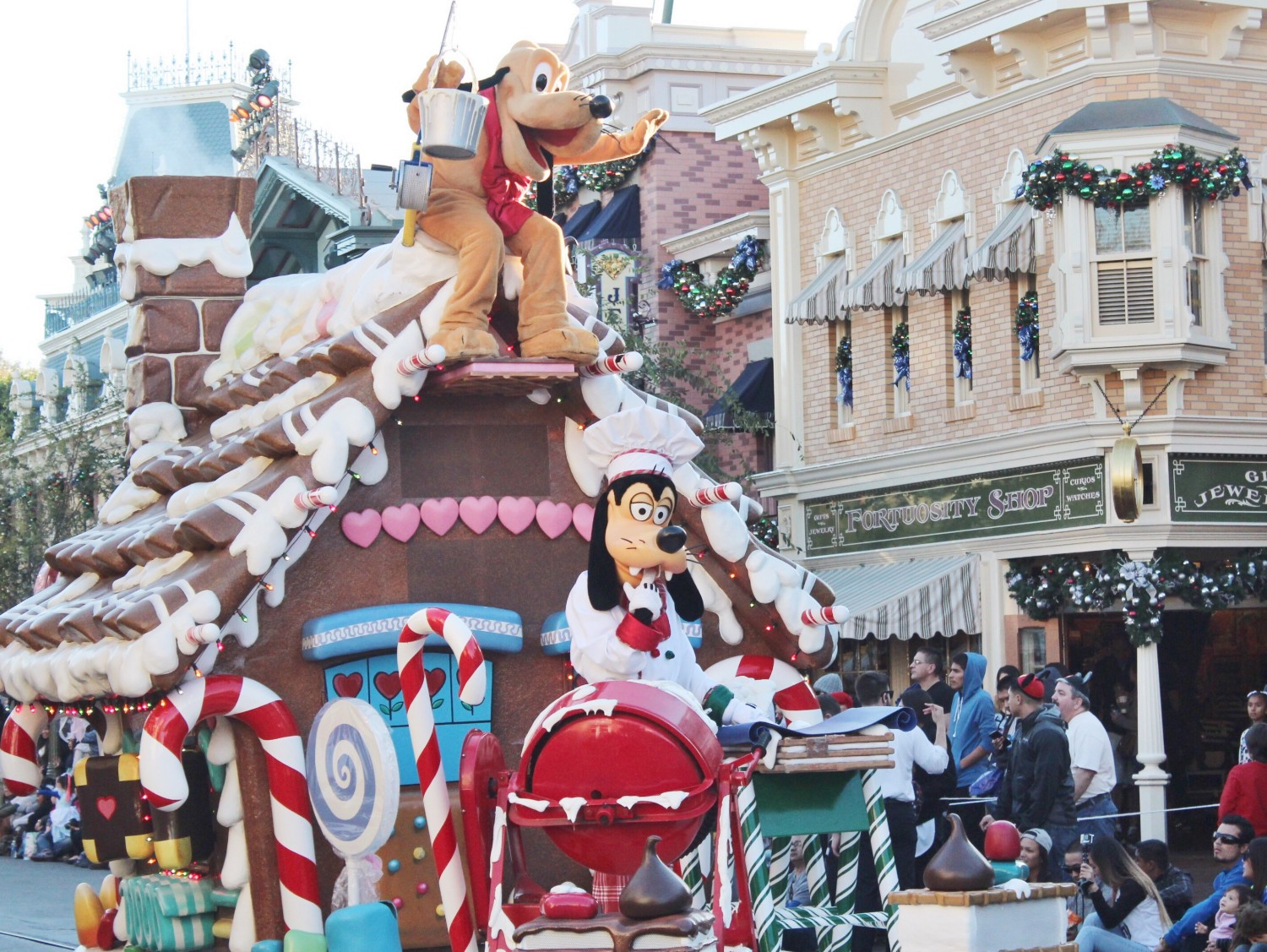 Disneyland A Christmas Fantasy Parade Goofy and Pluto