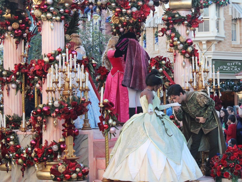 Disneyland A Christmas Fantasy Parade Princess Tiana