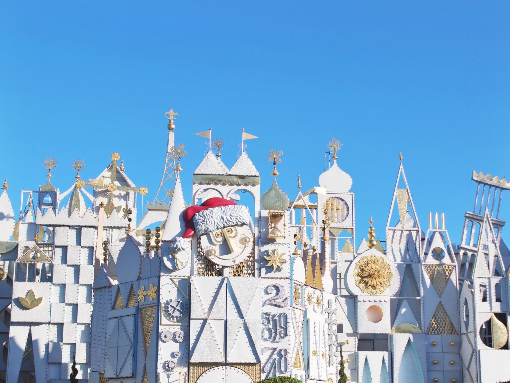 It S A Small World Holiday Disneyland Simply Sinova
