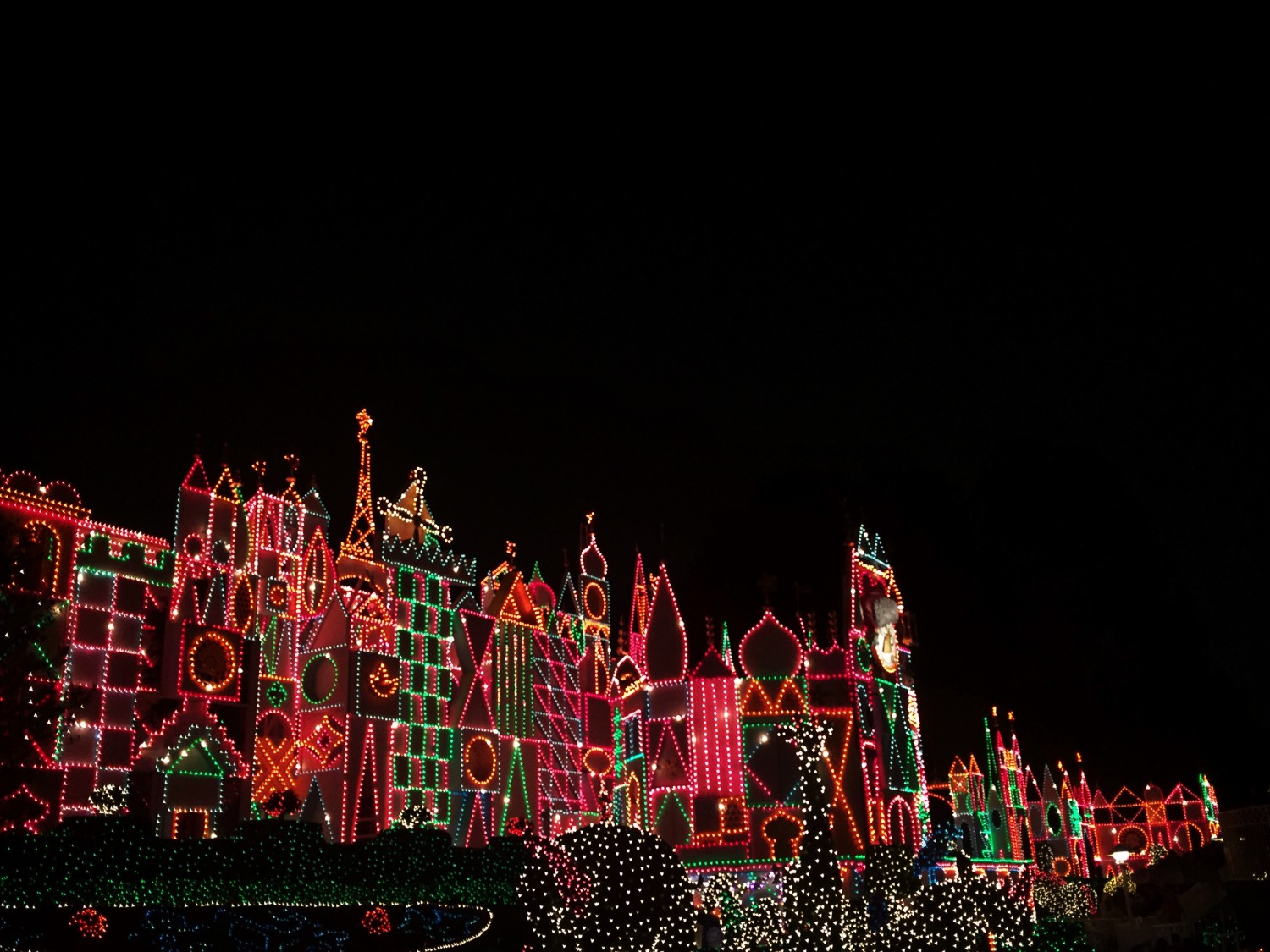 It's A Small World Holiday Lit Up