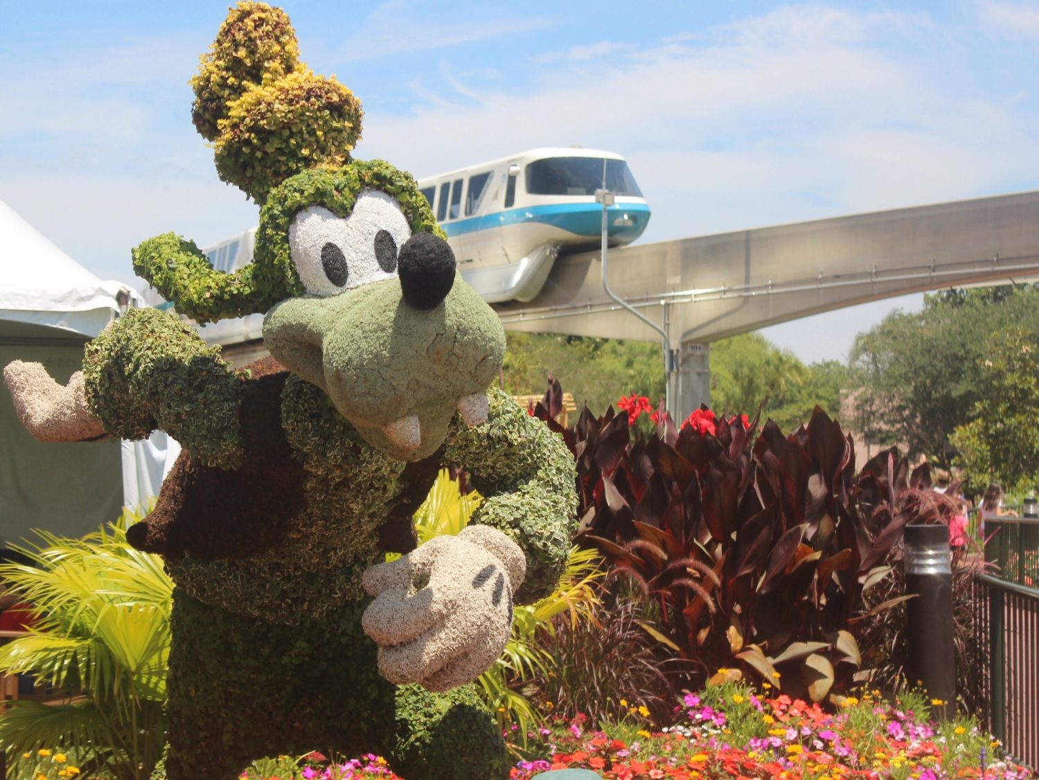 Epcot International Flower and Garden Festival Goofy