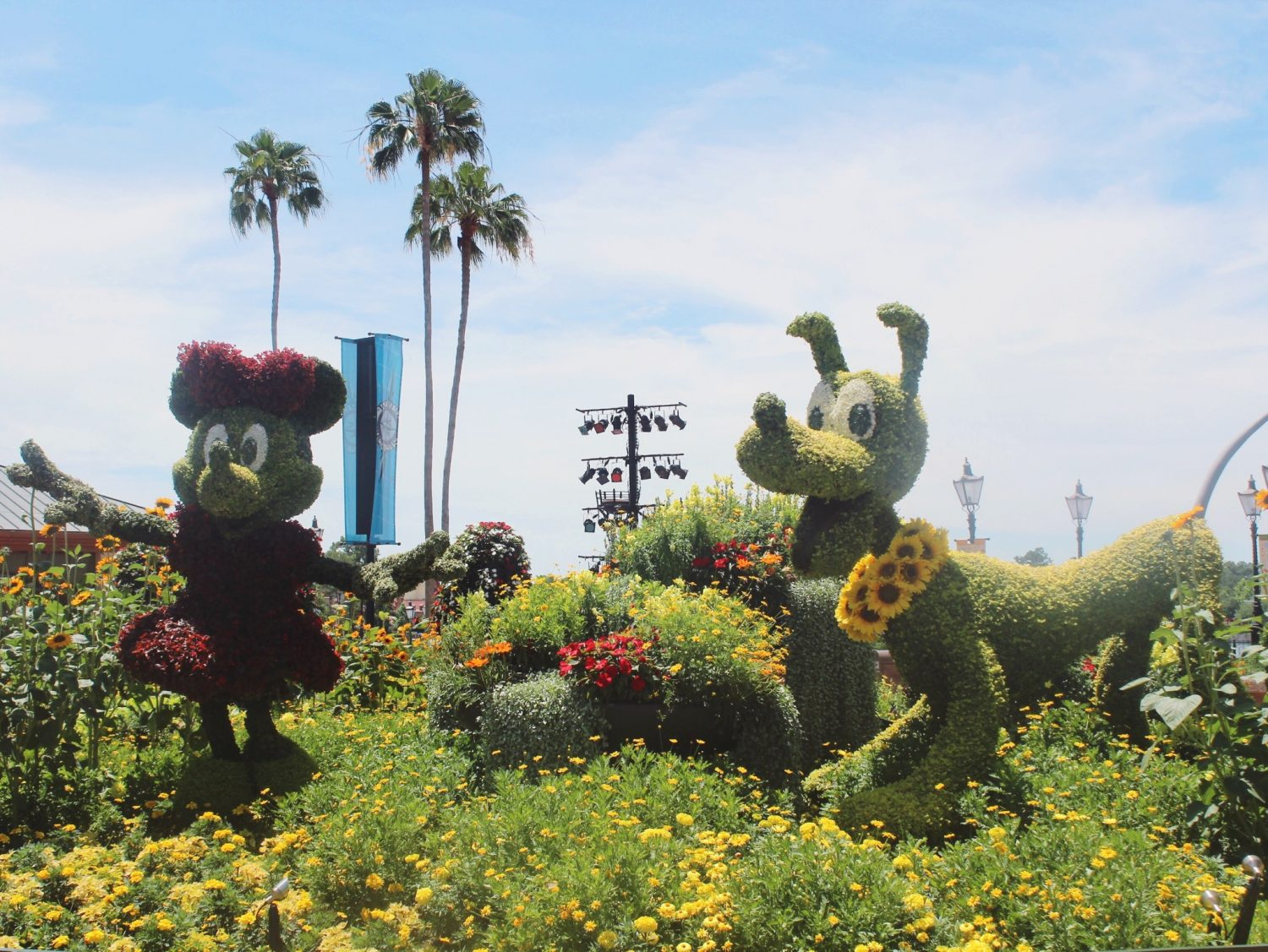 Epcot International Flower and Garden Festival Minnie and Pluto
