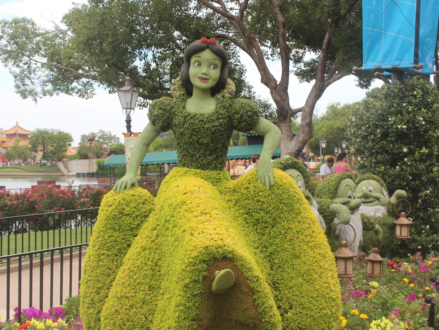 Epcot International Flower and Garden Festival Snow White