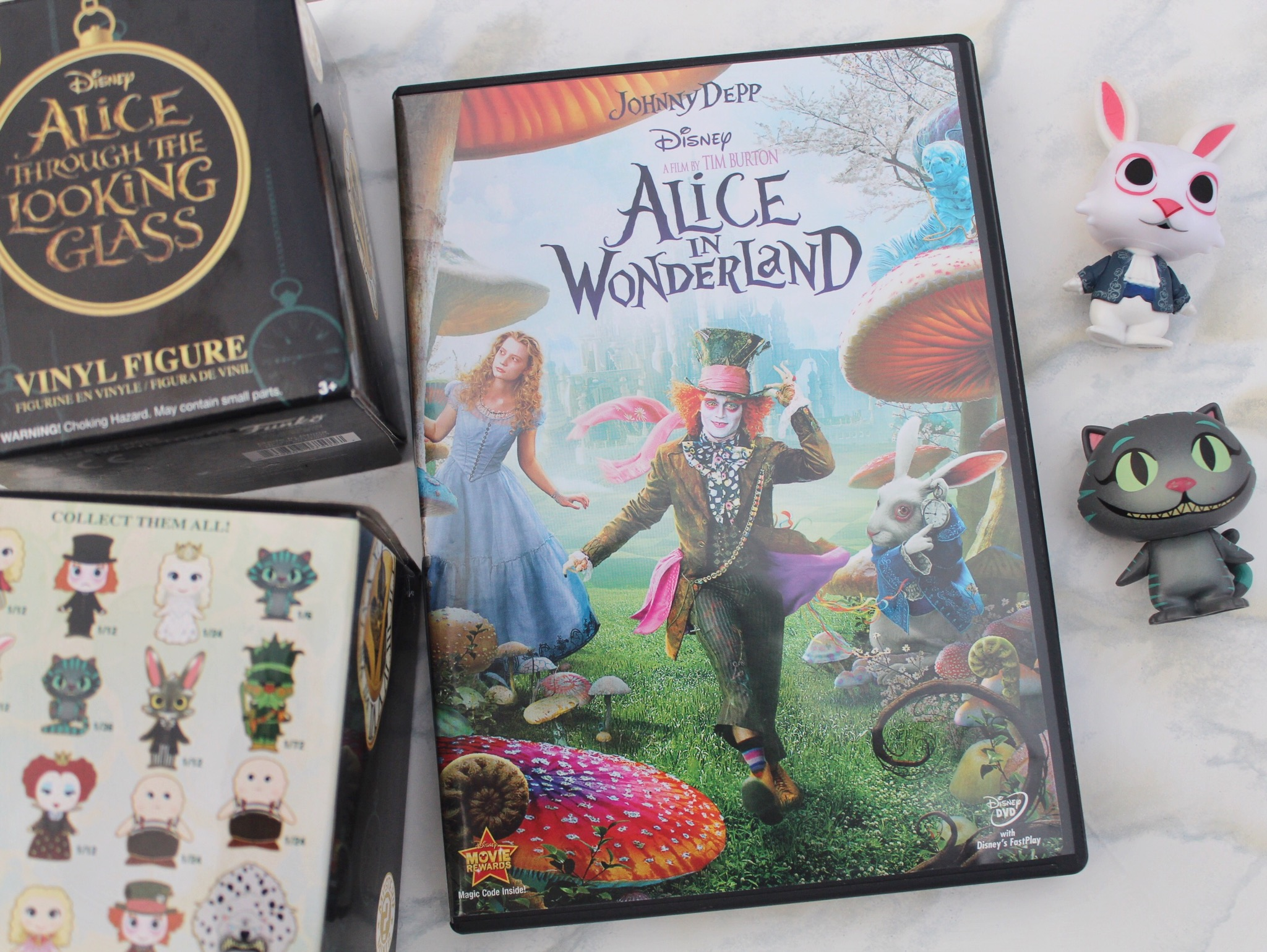 St Edition Alice In Wonderland And Through The Looking Glass