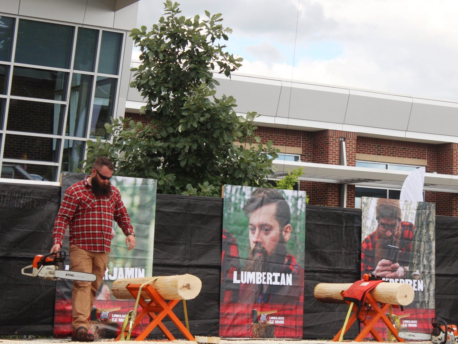 Lumbersexual to Lumberjack Competition