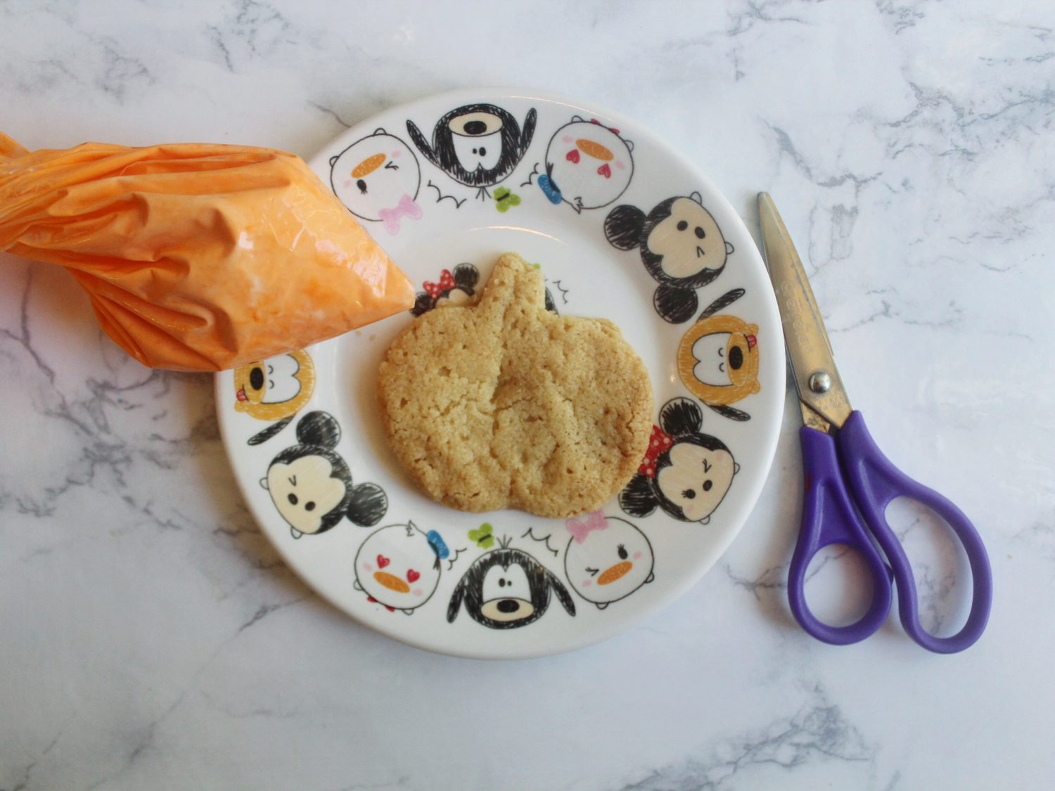 Cookie Decorating Made Easy With Hefty® Slider Bags