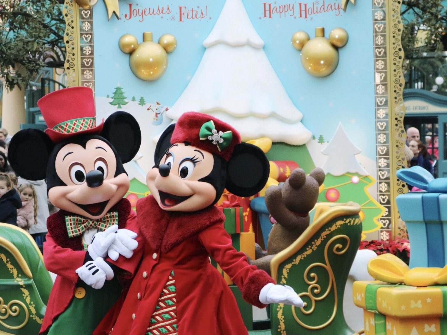 Disneyland Paris Christmas Mickey and Minnie