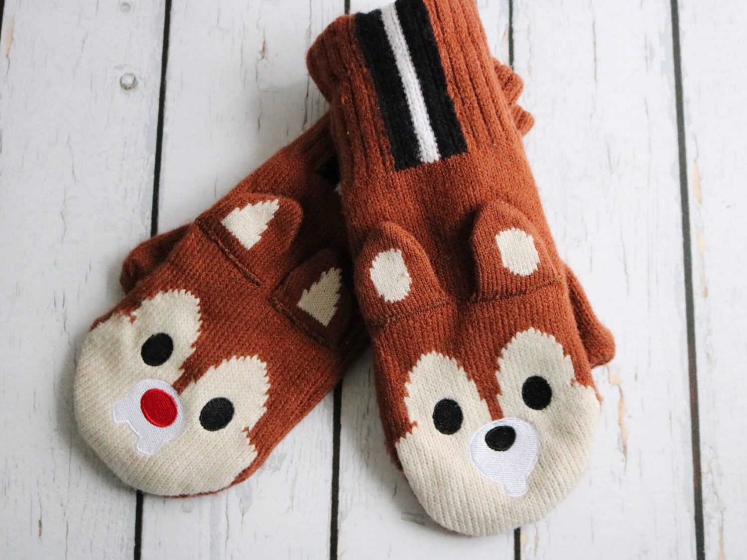 Disneyland Paris Chip 'n Dale Mittens