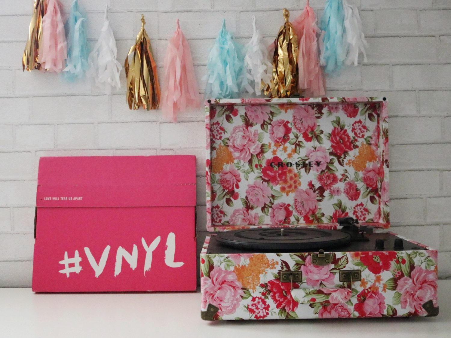 VNYL Curated Vinyl Records Delivered Monthly