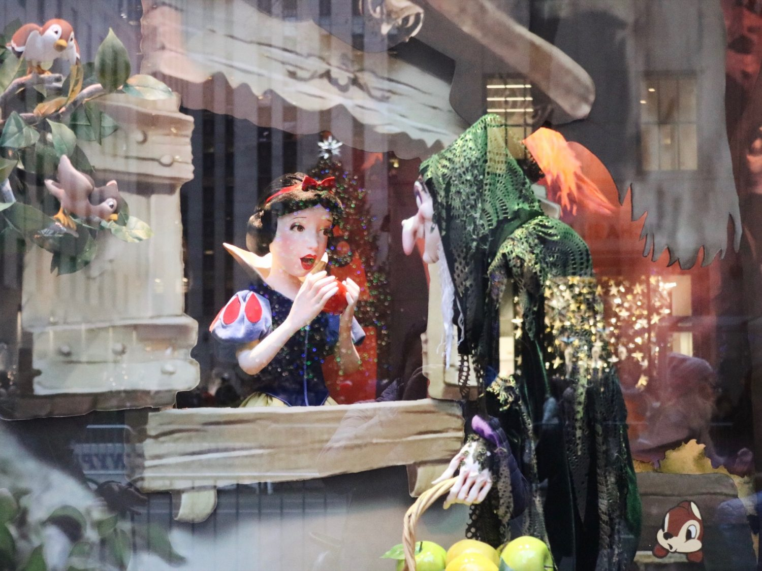 Saks Fifth Avenue Snow White Holiday Window Displays