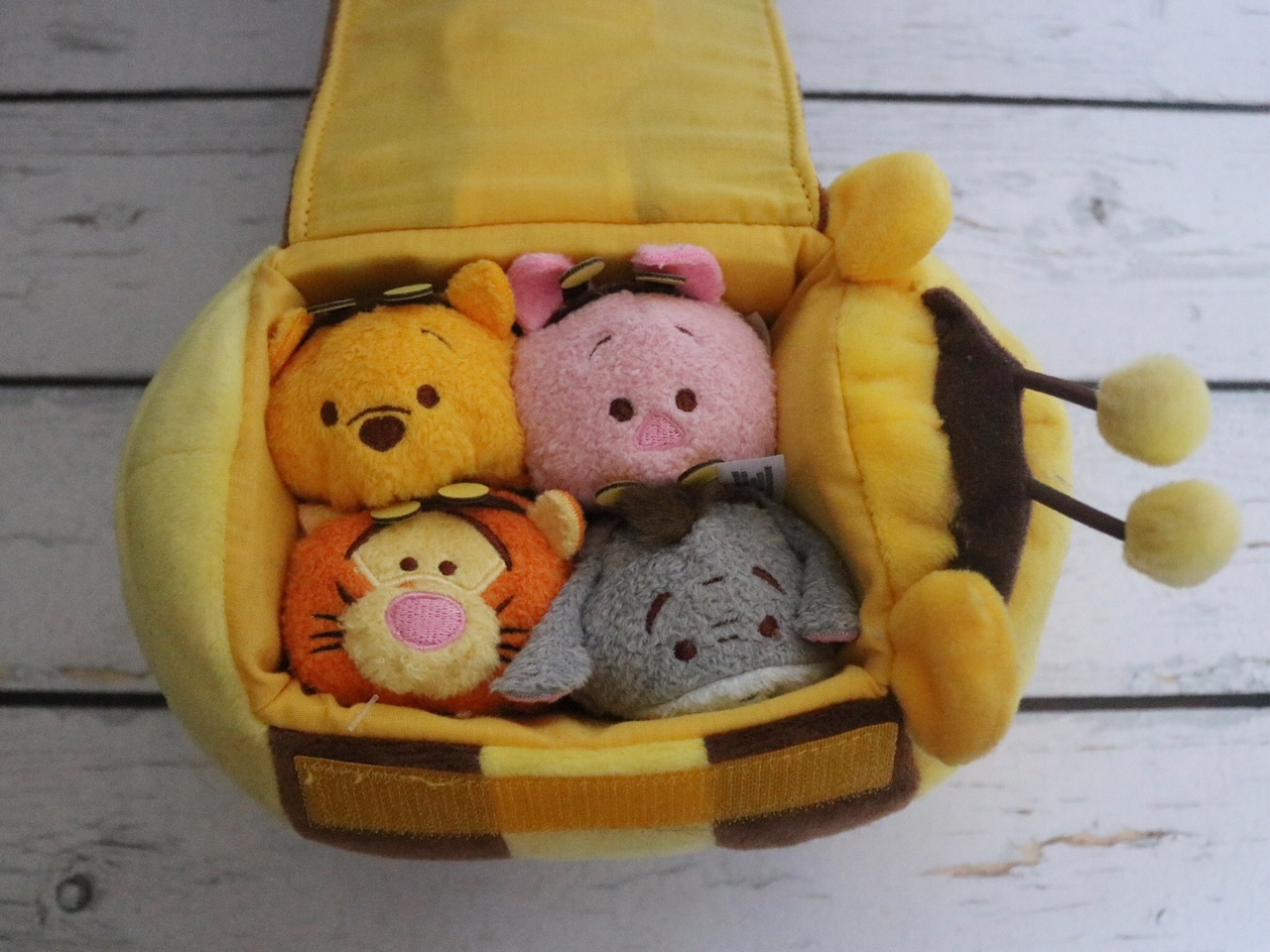 Winnie The Pooh Bumblebee Tsum Tsum