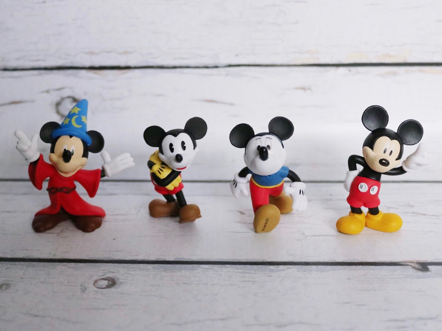 Disney Mickey Mouse Collector Mini Figures Bling Bag