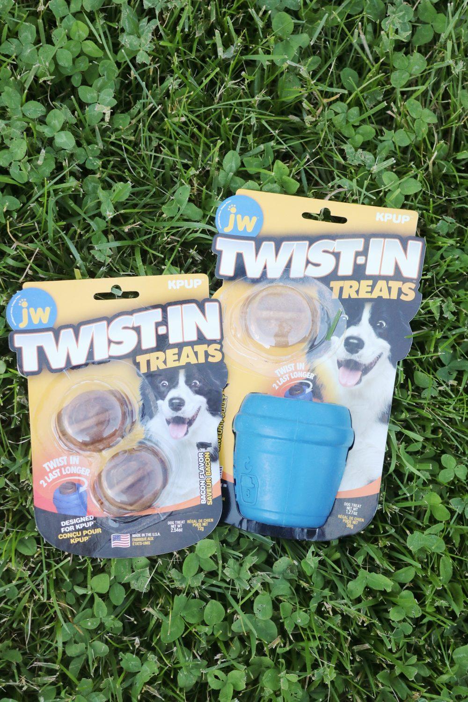 JW Twist-In Treats