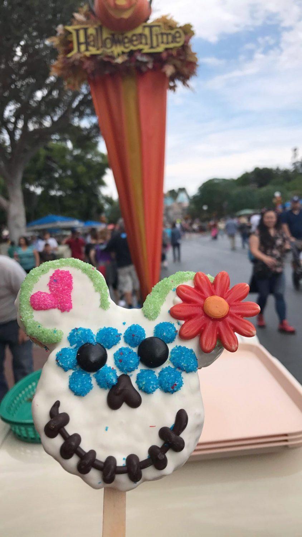 Disneyland Día de Muertos Rice Krispy